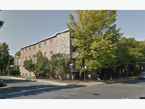 "$680 / 1br - Renovated 3.5 Apartment ""Heated"" waterview ♫♫"