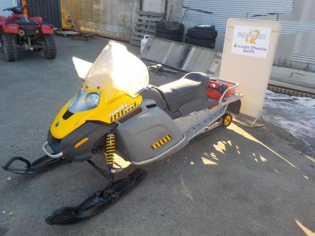 2006 Bombardier Ski-Doo Tundra Rotax 300F Snowmobile