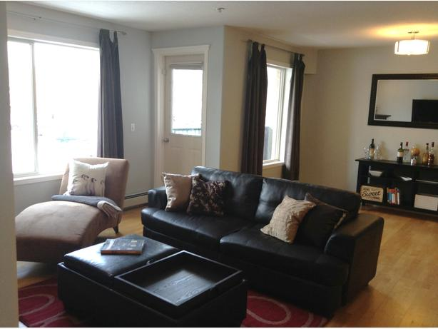 Beautiful, Newly painted - 2 Bedrooms Condo in Sunalta !!!