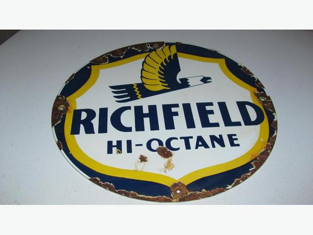 VINTAGE RICHFIELD GAS SIGN