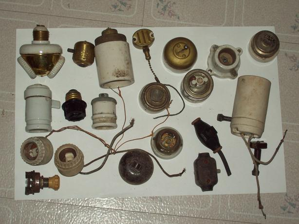 FREE: ANTIQUE ELECTRICAL ITEMS