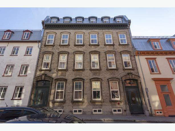 Disp. maint. Tres beau  2 1/2 Vieux Quebec Appartements Saint-Luc, Avail. now N