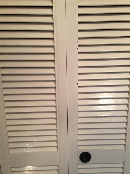 Louvered Bifold Plantation Style Closet Door White Excellent Condition Victoria City Victoria
