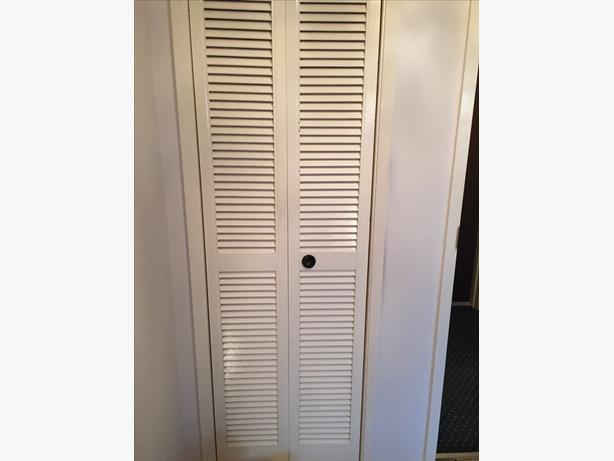 Louvered bifold plantation style closet door white excellent condition victoria city victoria - Plantation louvered closet doors ...