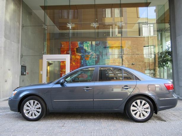 2010 Hyundai Sonata Limited - 71,*** KM! - FULLY LOADED! - LOCAL VEHICLE!
