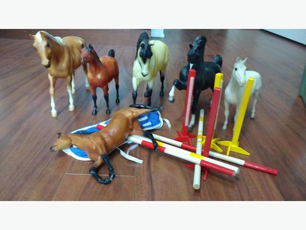 Breyer Horses (Lot)
