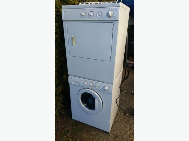 Ge Stacking Or Side By Side Washer Dryer Set In Excellent