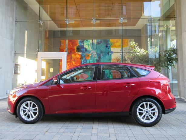 2015 Ford Focus SE Hatchback - LOCAL VEHICLE! - NO ACCIDENTS!