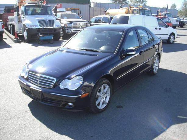 2006 mercedes benz c class c280 luxury sedan outside cowichan valley cowichan. Black Bedroom Furniture Sets. Home Design Ideas
