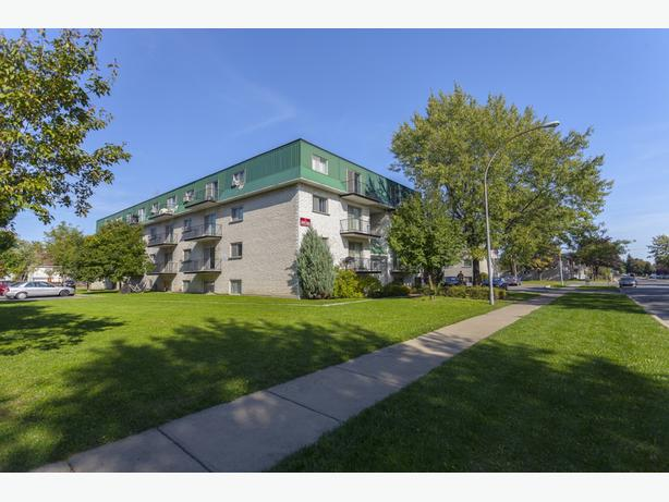 Disp. maint. Impeccable  5 1/2 Longueuil Appartements Carrefour des Erables. Av