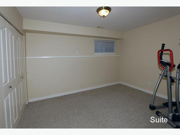 1 Bedroom with Garage, full bath, W/D and Utilities included