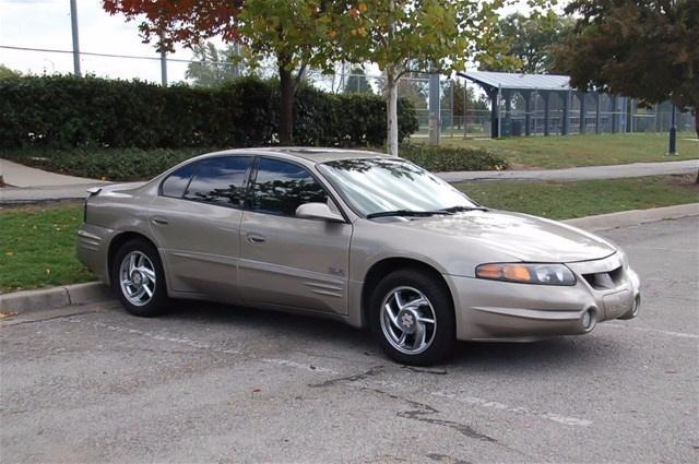 2002 Pontiac Boneville Sooke Victoria