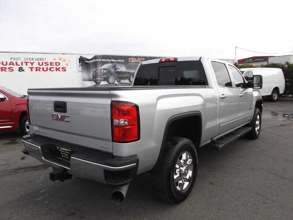 2016 gmc 2500 hd crew cab 4x4 diesel for sale outside cowichan valley cowichan. Black Bedroom Furniture Sets. Home Design Ideas