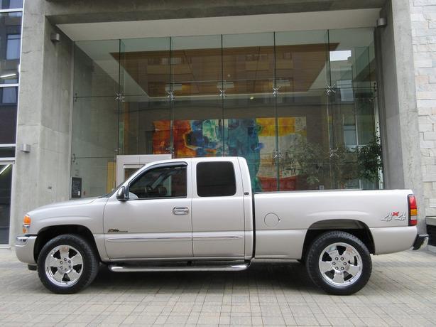 2005 GMC Sierra 1500 Nevada Edition 4WD - EXTENDED CAB!