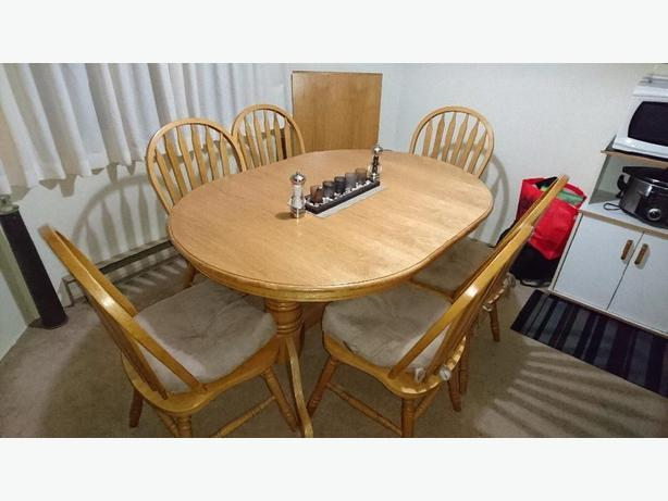 Dining room table w 6 chairs saanich victoria for Dining room tables victoria