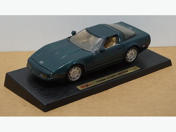 """Chevrolet Corvette Coupe 1996"" Die-Cast 1:18 Scale Model by Maisto"
