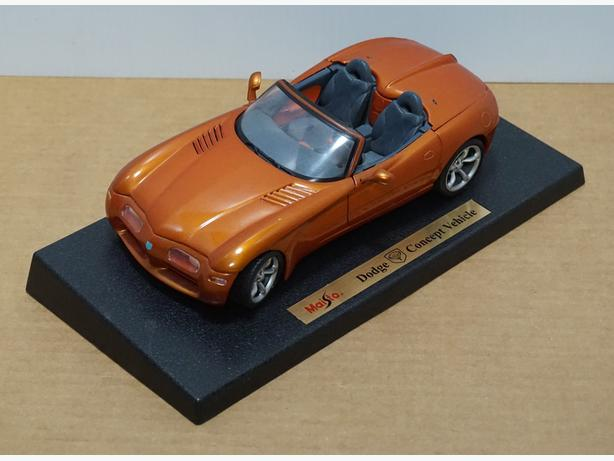 """""""Dodge Concept Vehicle"""" Die-Cast 1:18 Scale Model by Maisto – Good Condition"""