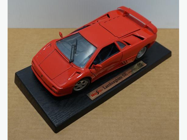 """""""Lamborghini SE 1994-1995"""" Die-Cast 1:18 Scale Model by Maisto – Good Condition"""