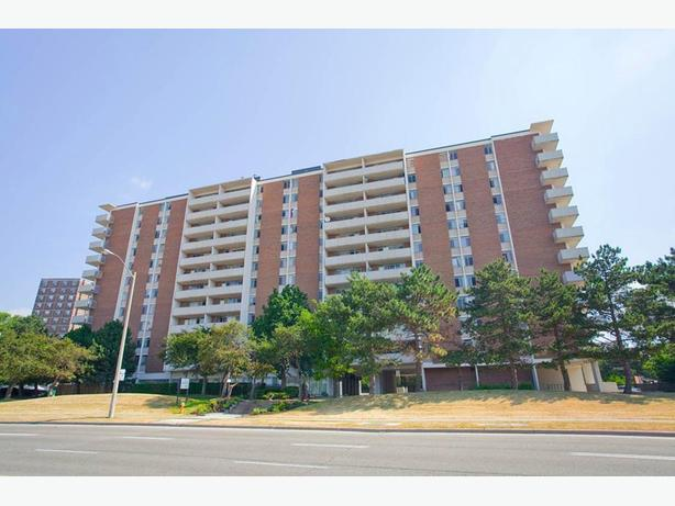 Avail. Feb  Charming  2 bedrooms Toronto Deerford Road Apartments