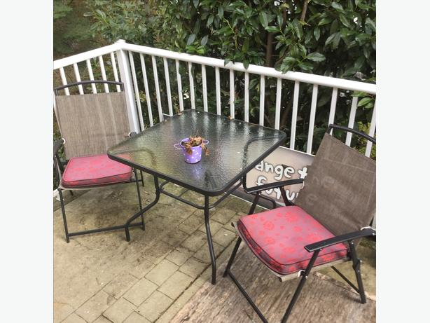 Patio Table And FOUR Chairs With Cushions West Shore