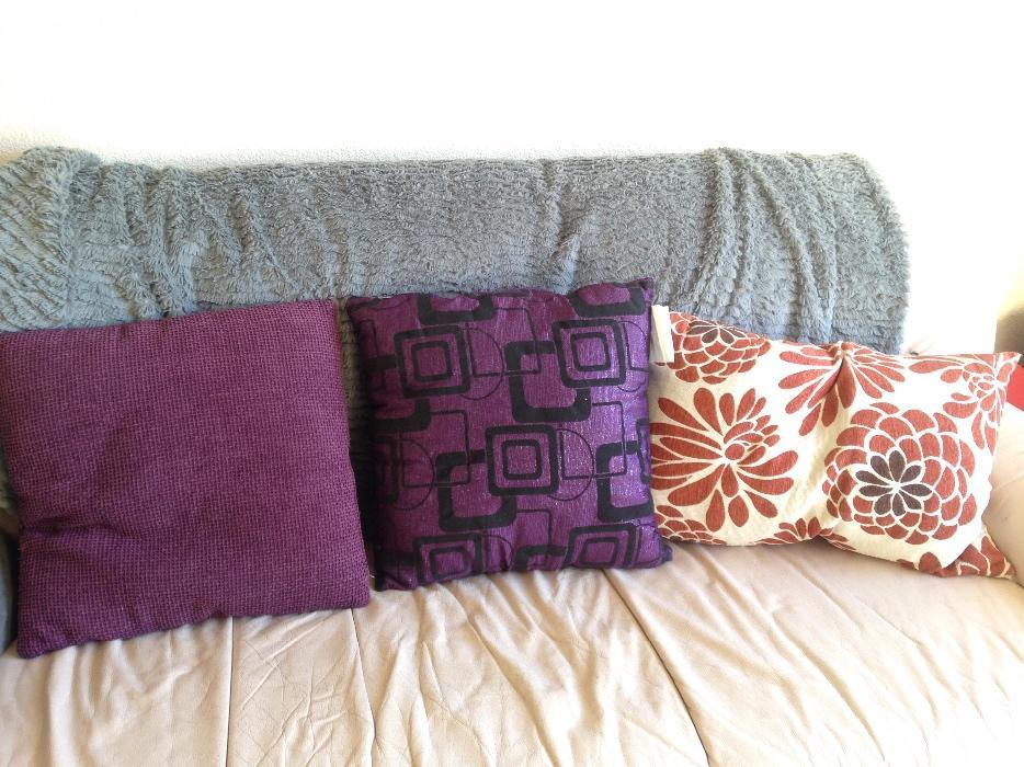 Decorative Pillows Victoria Bc : assorted throw pillows Victoria City, Victoria - MOBILE