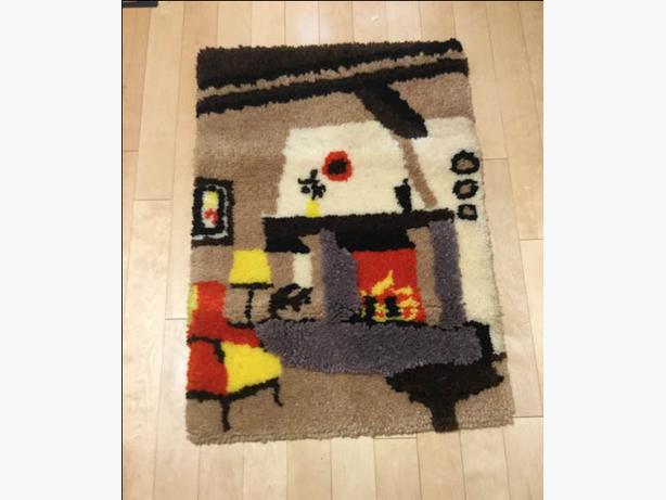 One Wool Hooked Carpet
