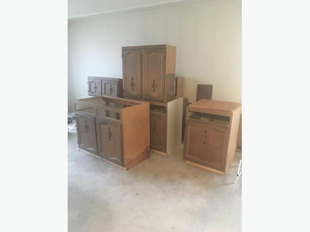 FREE Kitchen Cabinet Set Victoria City Victoria