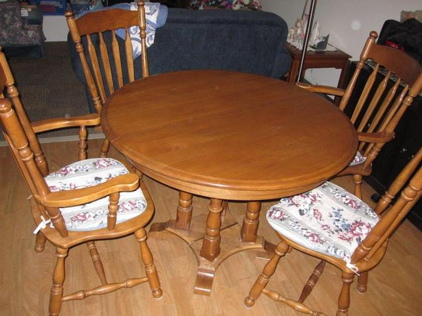 Solid Maple Colonial Kitchen Dining Room Set North Nanaimo