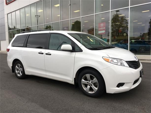 2016 Toyota Sienna NO ACCIDENTS LOCAL B.C.