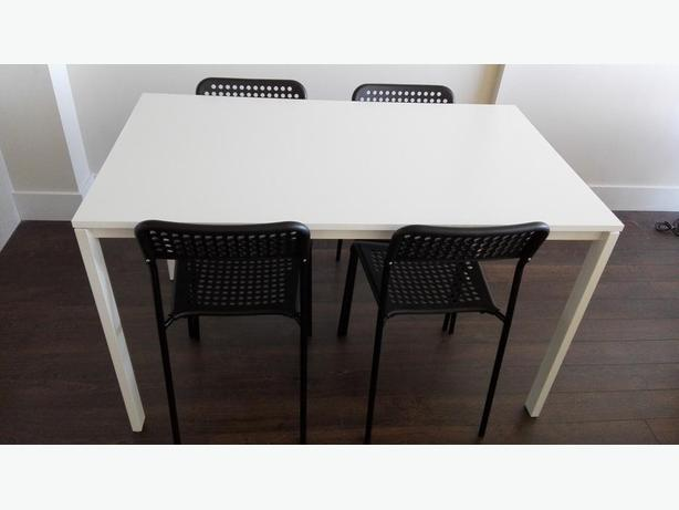 years old and in excellent condition table dimensions 126x75x74cm
