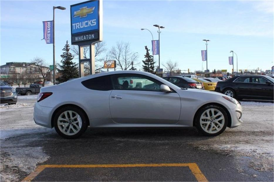 2014 hyundai genesis coupe 2 0t central regina regina. Black Bedroom Furniture Sets. Home Design Ideas