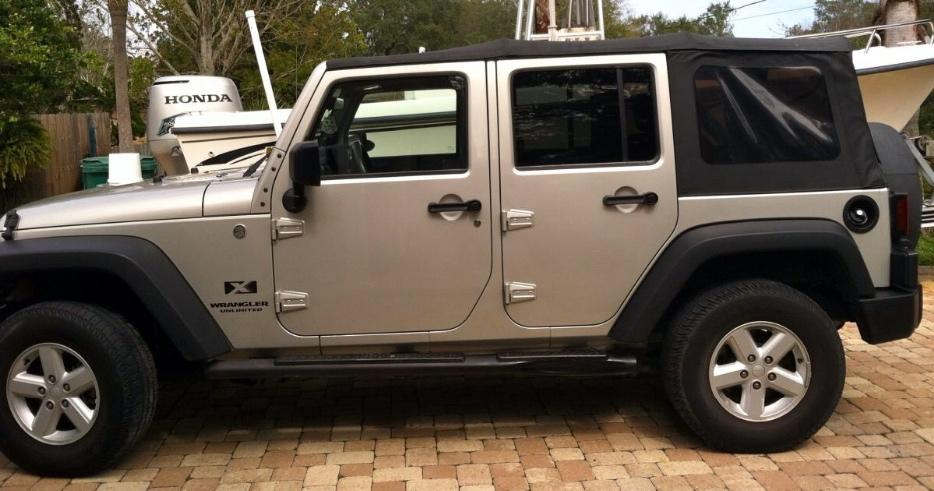 Reduced Again 2012 Jeep Rubicon Four Door Soft Top No