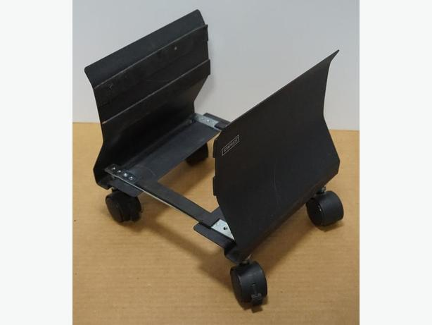 Computer Metal Stand on Rollers – Excellent Condition