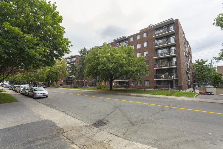 Avail now Clean 1 bedroom AhuntsicCartierville  ~ College Bois De Boulogne Montreal