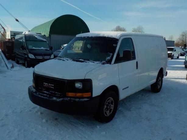 2005 GMC Savana G2500 Cargo Van