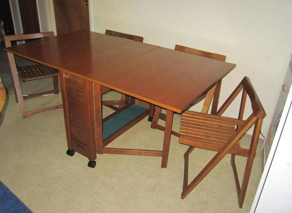 Teak Drop Leaf Dining Table with Folding Chairs North  : 57746039934 from www.usedregina.com size 934 x 681 jpeg 62kB