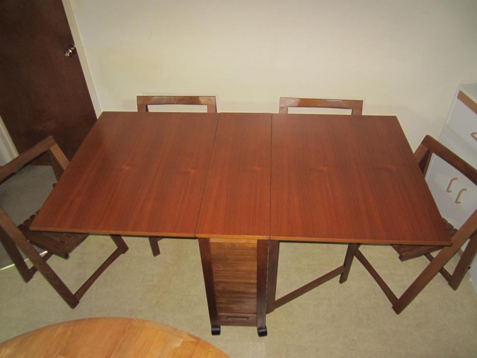 Teak Drop Leaf Dining Table with Folding Chairs North  : 57746046934 from www.usedregina.com size 934 x 700 jpeg 49kB