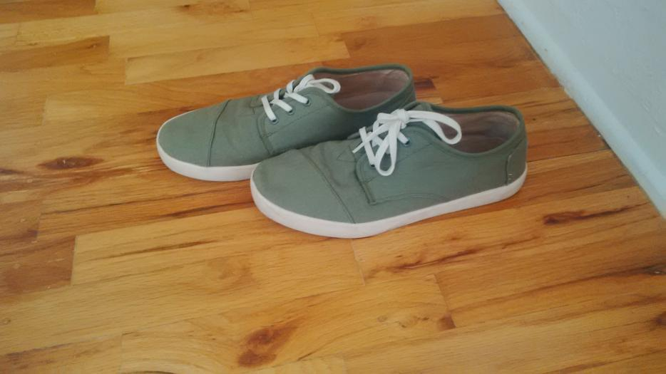 Toms Shoes Red Deer