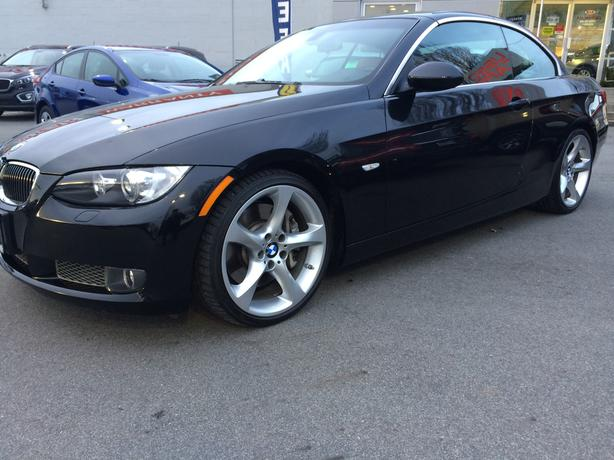 2009 bmw 335i hardtop convertible twin turbo only 31 000kms victoria city victoria. Black Bedroom Furniture Sets. Home Design Ideas