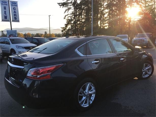 2015 nissan altima sv sun roof outside nanaimo nanaimo mobile. Black Bedroom Furniture Sets. Home Design Ideas