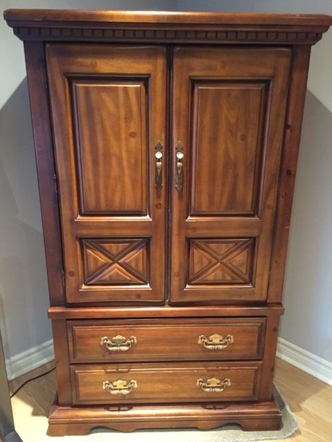 Used Solid Wood Queen 6 Piece Bedroom Furniture Central Ottawa Inside Greenbelt Ottawa