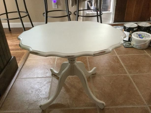 Cute shabby chic coffee table west shore langford colwood for Cute coffee tables