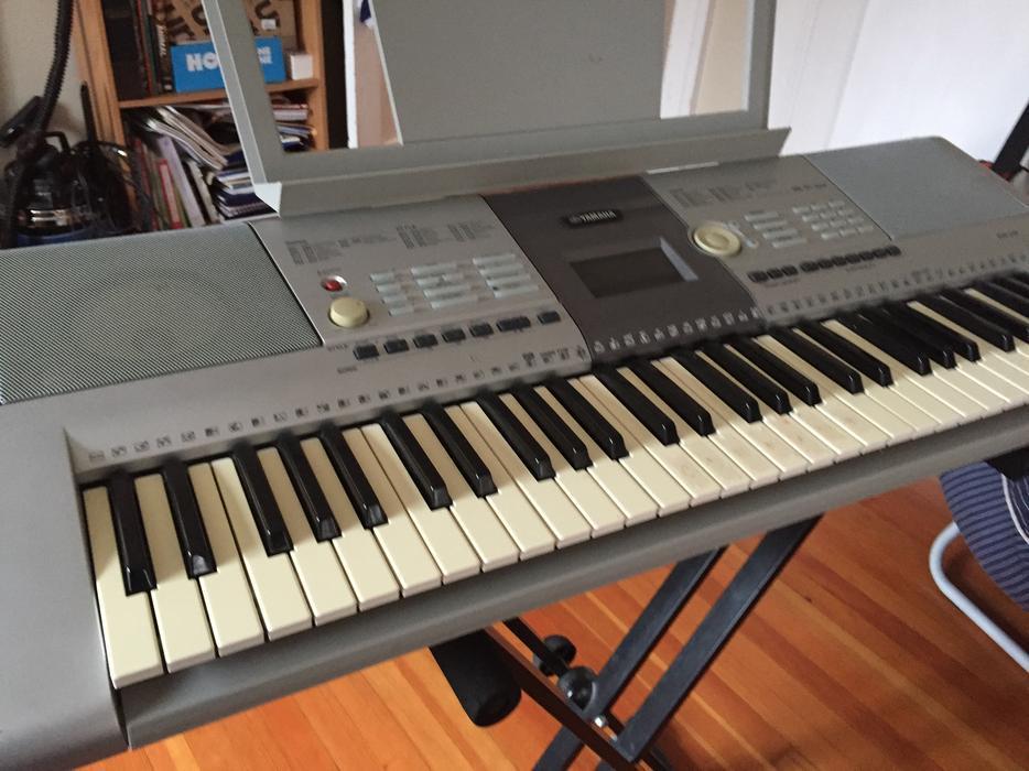 Yamaha psr 295 keyboard oak bay victoria for Yamaha clp 295