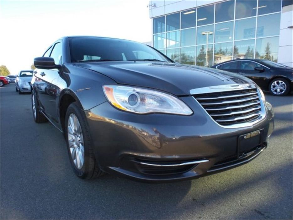 2014 chrysler 200 lx w power group and aux outside. Black Bedroom Furniture Sets. Home Design Ideas