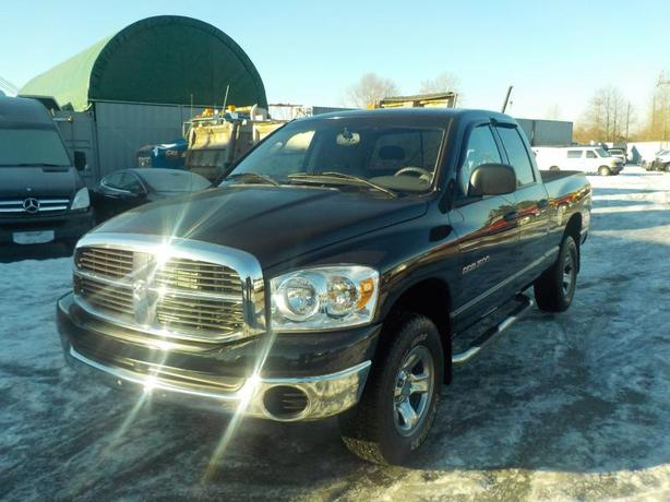 2007 dodge ram 1500 slt quad cab 4wd 6 speed manual outside okanagan okanagan. Black Bedroom Furniture Sets. Home Design Ideas