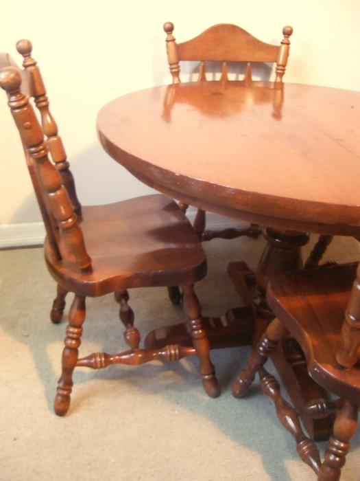 Solid pine dining room table with 12 leaf and 4 chairs for Dining room tables victoria bc