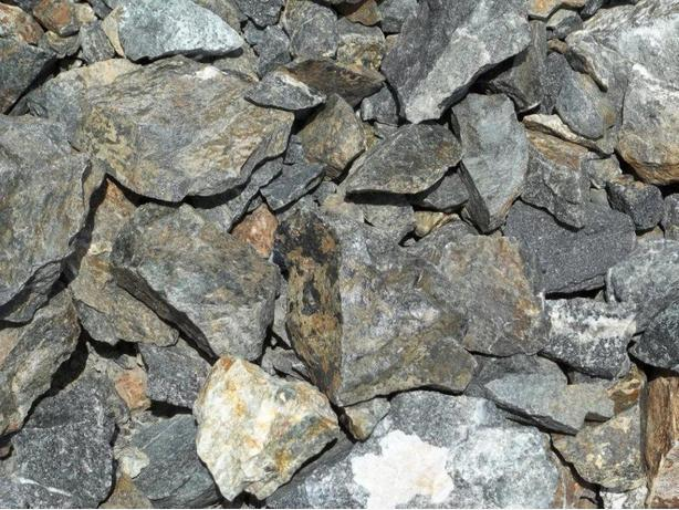 WANTED: Rock & Wood Chips