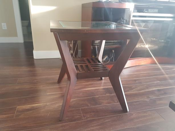 Coffee table and 2 end tables west shore langford colwood for Coffee tables 24 high