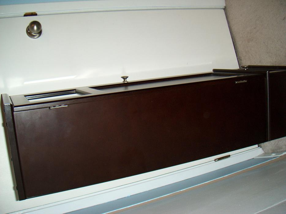 Mahogany brown cabinet shelf for hallway book shelf or for Bathroom cabinets nanaimo