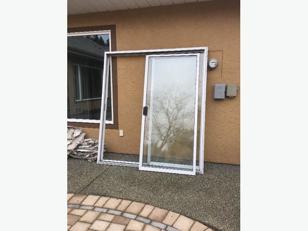 Free sliding glass door north saanich sidney victoria for Six foot sliding glass door